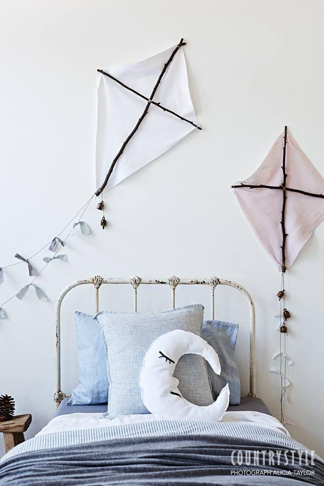 Jolie Idée déco chambre d\'enfants : des cerfs-volants faits maison ...