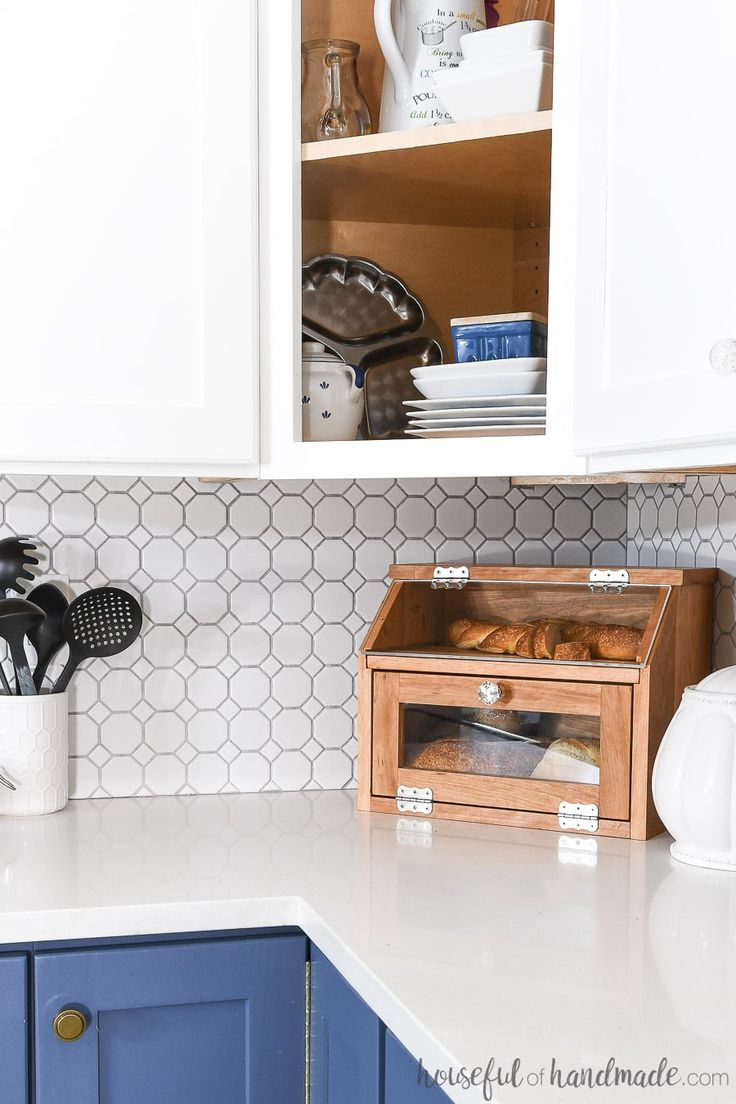 Diy Home Diy Bread Box In The Corner Of A Kitchen Counter Diy Kitchen Kitchenideas B Listfender Leading Inspiration Magazine Shopping Trends Lifestyle More